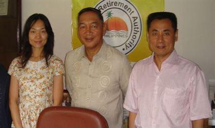 菲律宾退休龙8娱乐官网手机版署主席Aglipay将军会见世贸通集团董事长