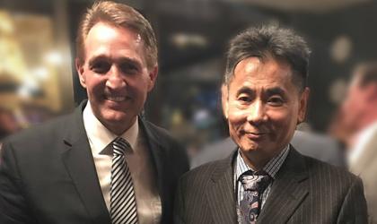 世贸通集团董事长Winner Xing博士会见美国联邦参议员Jeff Flake先生