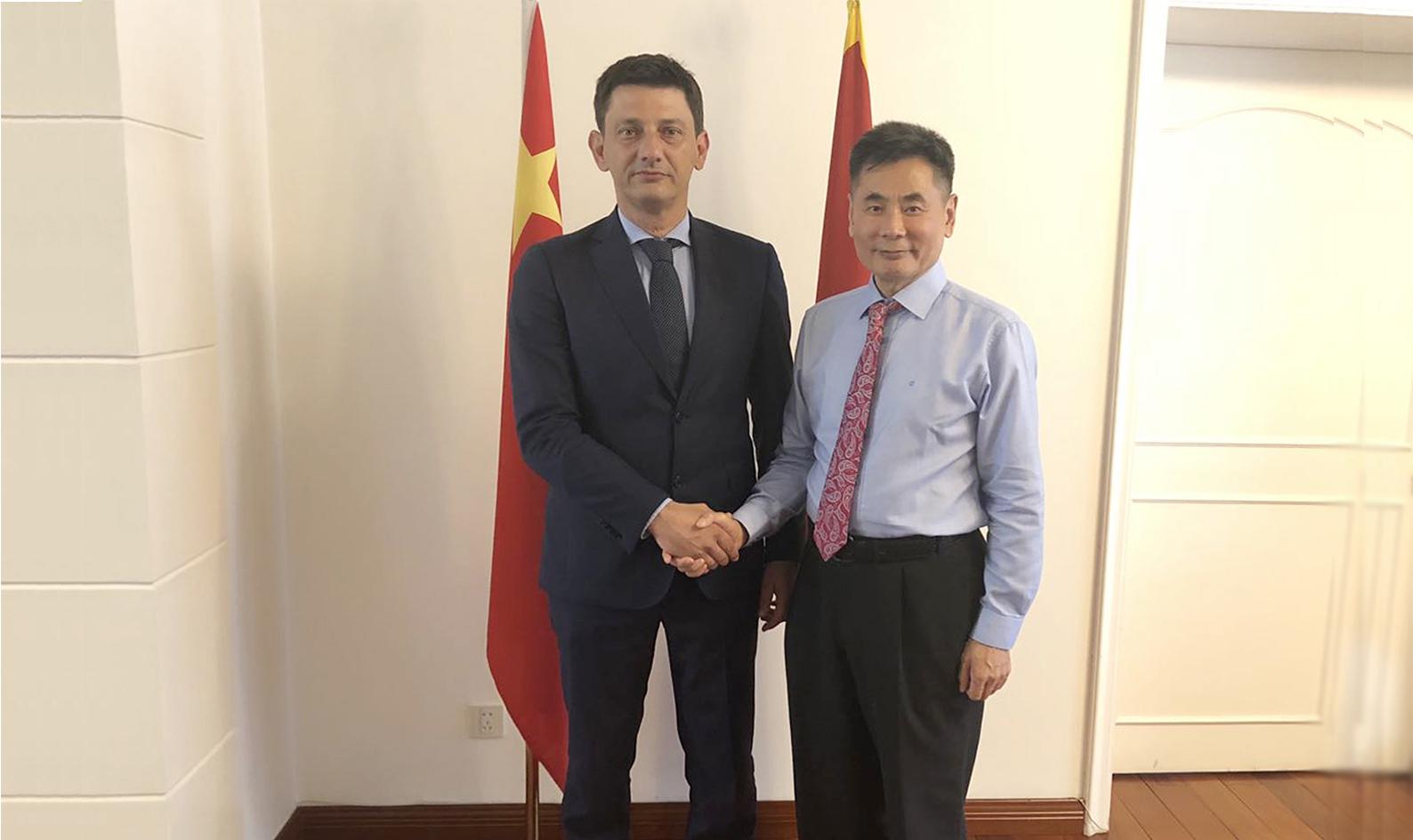黑山驻华大使亲切会见世贸通集团董事长Winner Xing博士